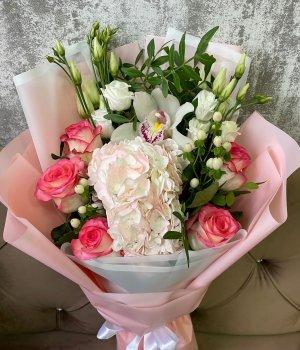 Микс с персиковой гортензией , розами и эустомой #3034