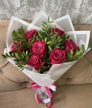 Букет из 7 роз Шангрила (40 см ) #1913